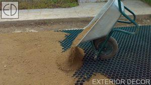 Насипване на почвата